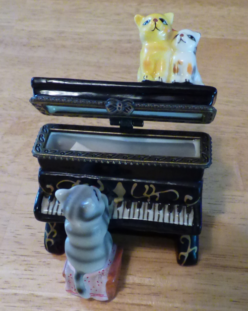 Kitty piano ceramic box 5