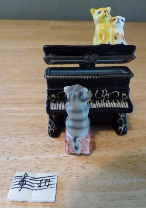 Kitty piano ceramic box 8