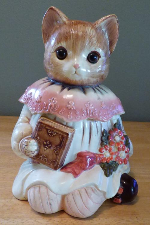 Vintage kitty cookie jar