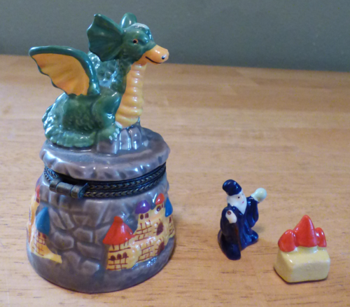 Ceramic dragon pillbox 8