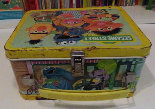 Vintage tin sesame street lunchbox 2