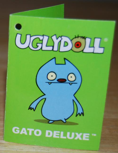 Uglydolls gato deluxe book