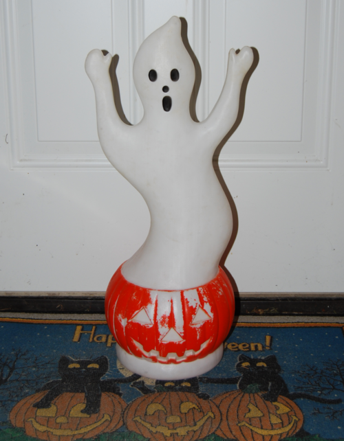 Blowmold halloween ghost