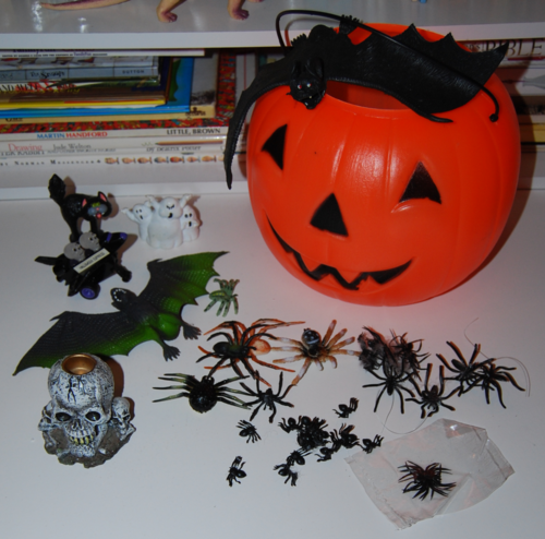 Halloween goodies & spiders