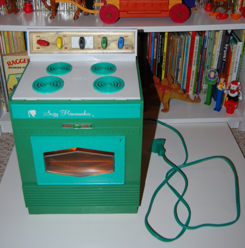 Vintage suzy homemaker stove oven toy 2