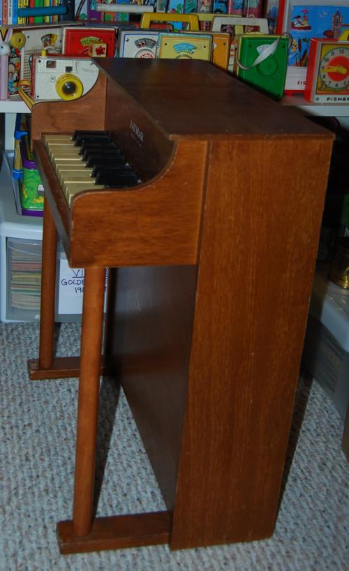 Vintage jaymar toy piano 2