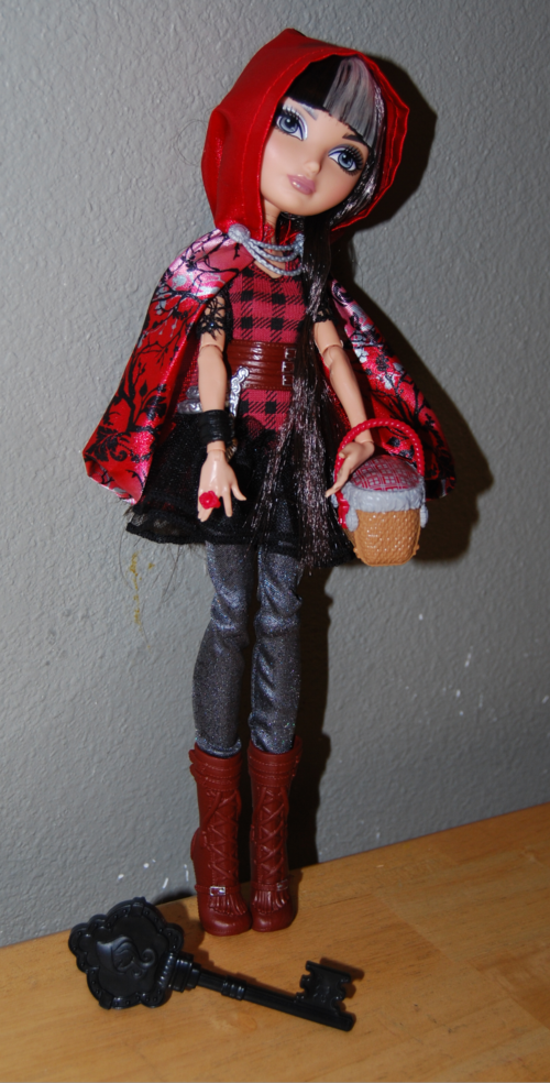 Ever after doll cerise hood 8