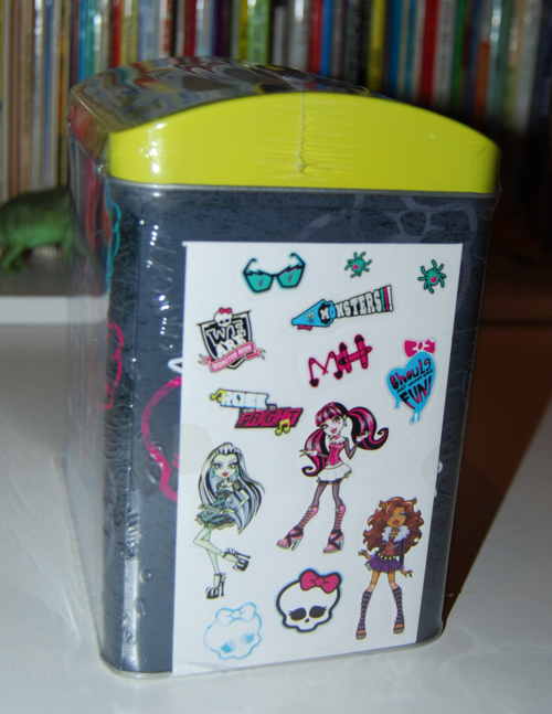 Monster high valentine mailbox 3
