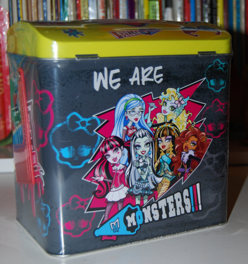 Monster high valentine mailbox 1