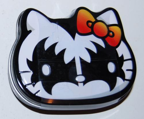 Hello kitty kiss mint tin