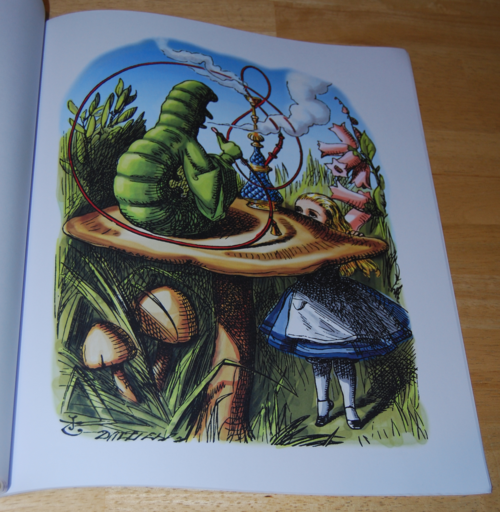 Alice in wonderland giant poster & coloring book 1