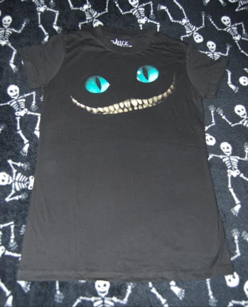 T shirts alice 3