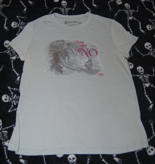 T shirts alice 1