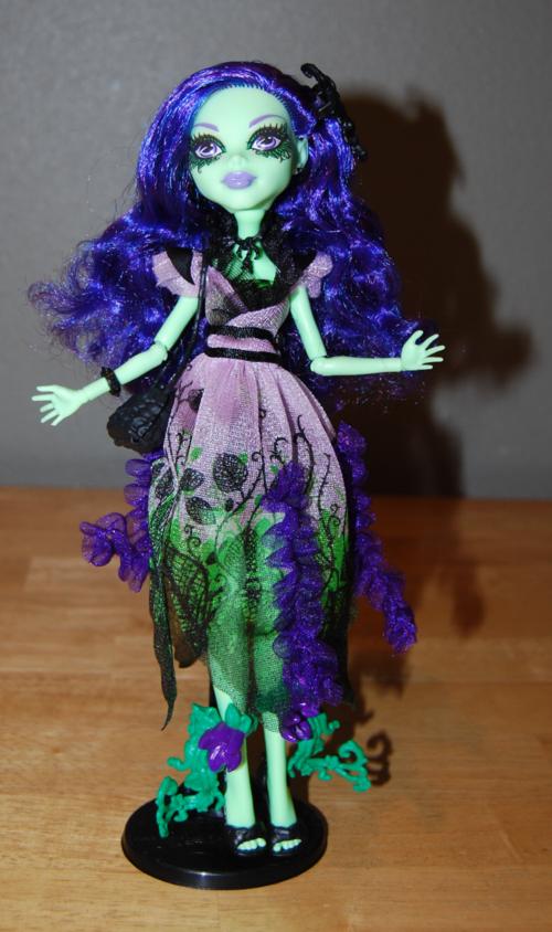 Monster high amanita nightshade doll 3