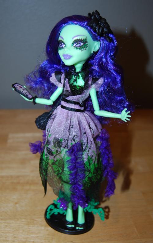 Monster high amanita nightshade doll 5