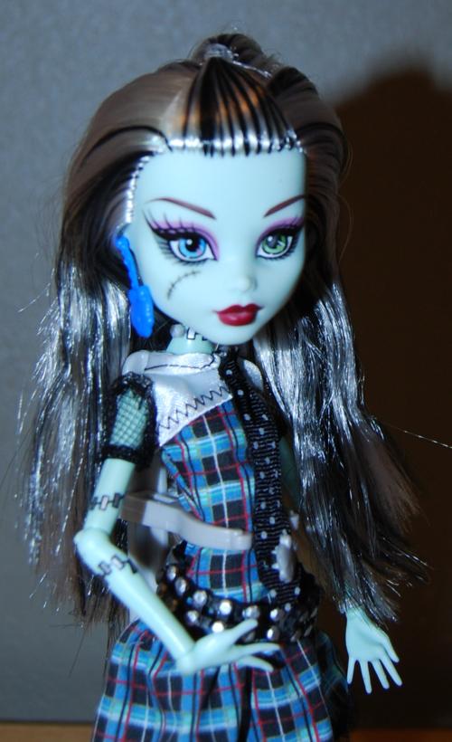 Monster high frankie stein doll 3