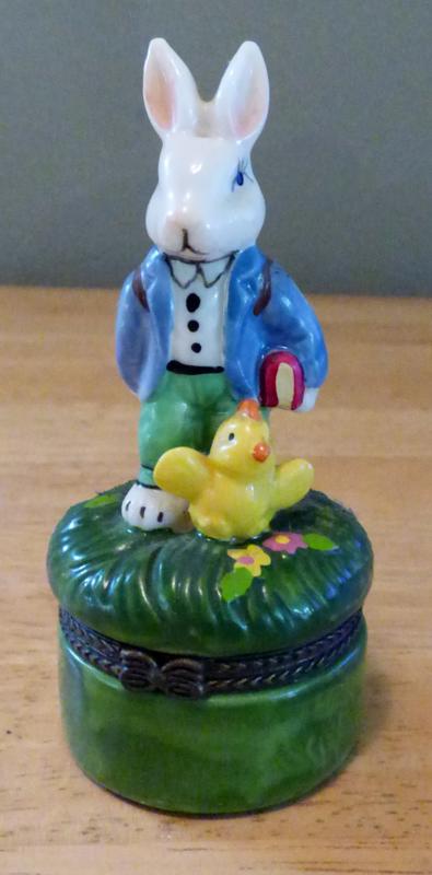 Easter bunny ceramic box