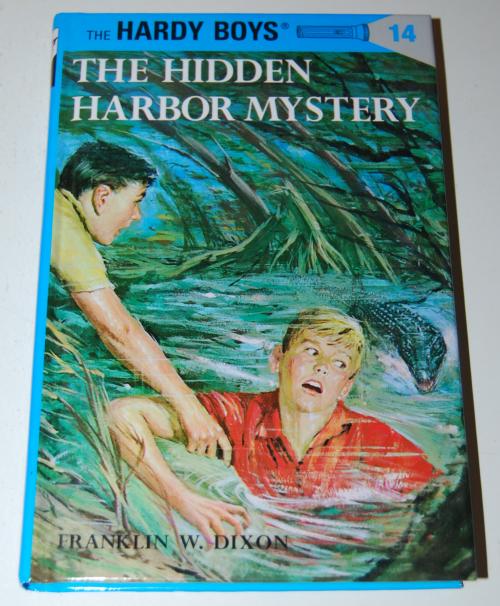 Vintage hardy boys mysteries 2