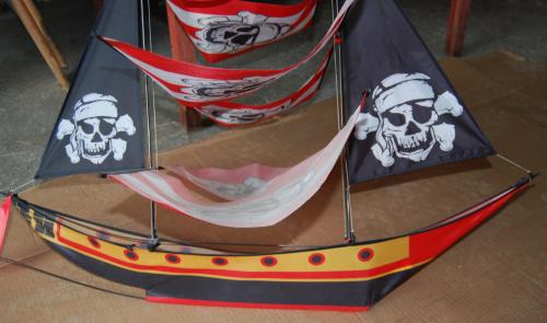 Pirate ship kite 2