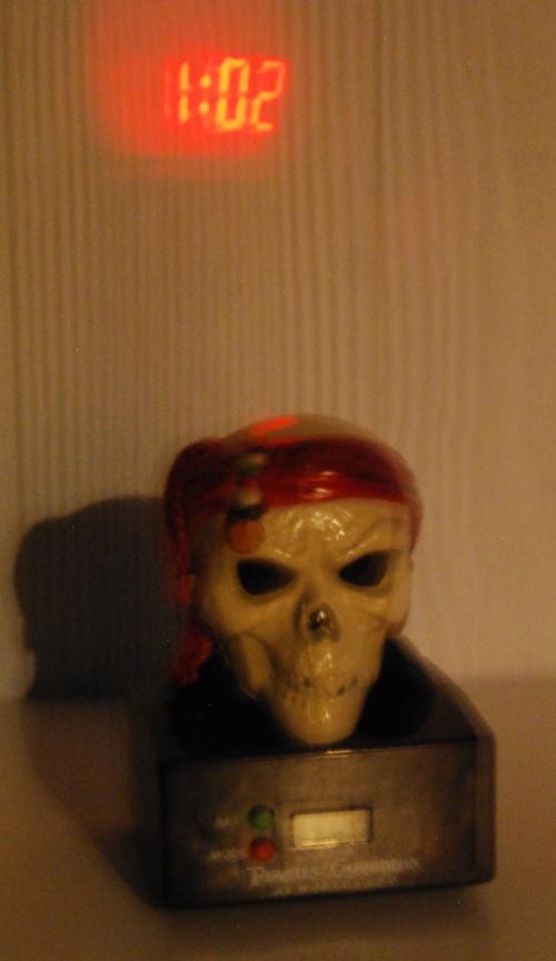 Skull projector clock x