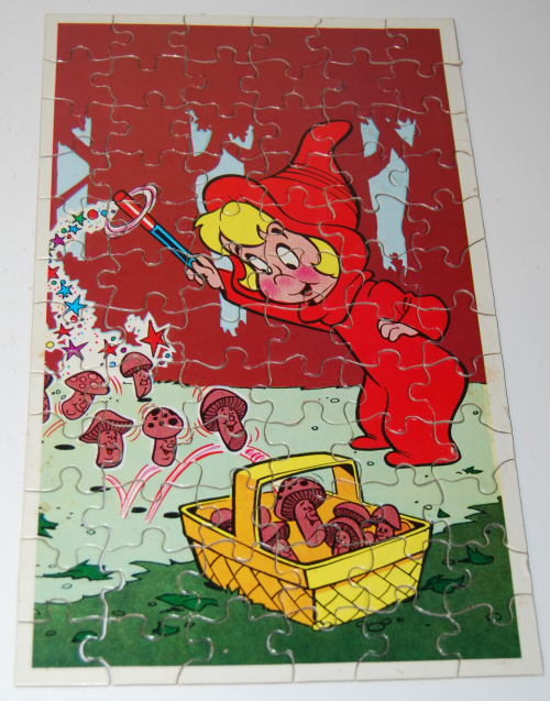 Vintage wendy witch mini puzzle 6