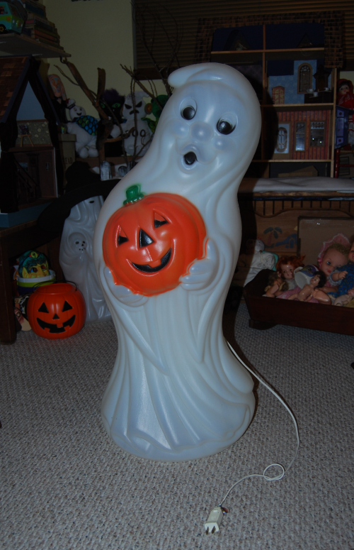 Vintage blowmold ghost