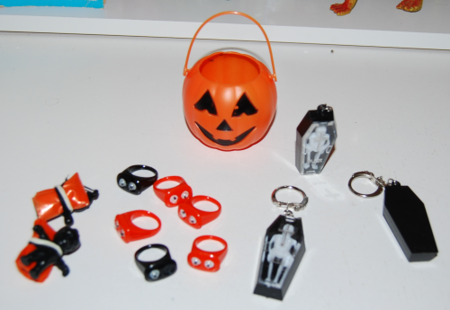 Skelly coffin keychains