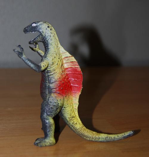 Lizardman finger puppet 2