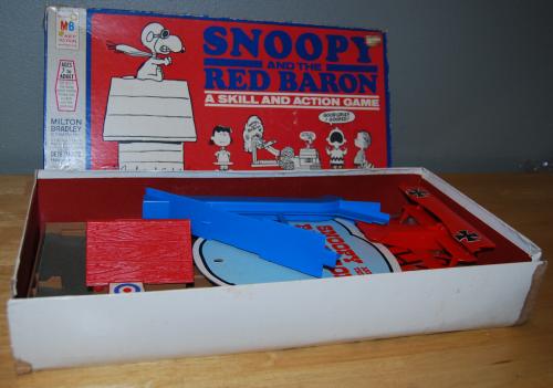 Milton bradley snoopy & the red baron game 3