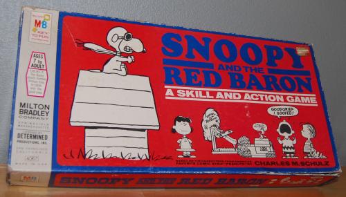 Milton bradley snoopy & the red baron game