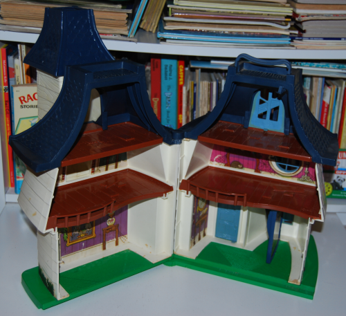 Hasbro weeble ghost house 1976
