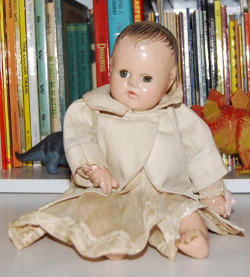 Vintage mme alexander doll