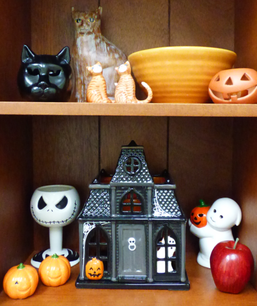 Cat halloweeni items