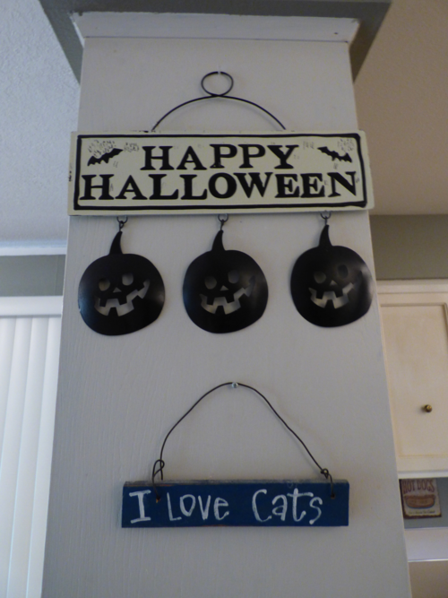 Tin halloween sign