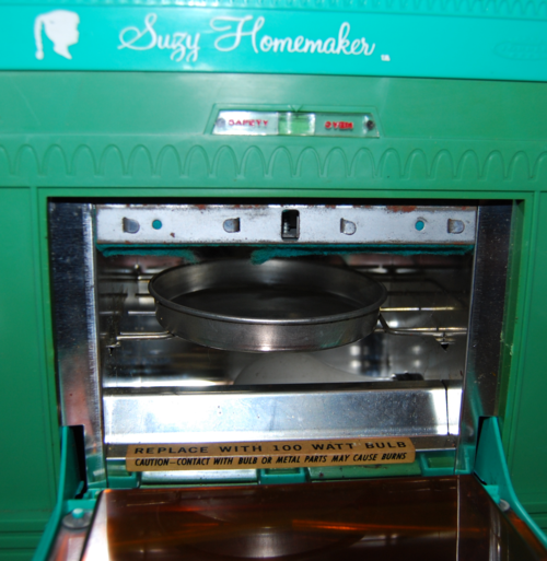 Vintage suzy homemaker stove oven toy 4