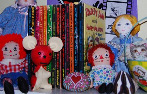 Raggedy shelf