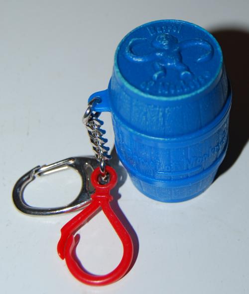 Mini barrel of monkeys key clip 1