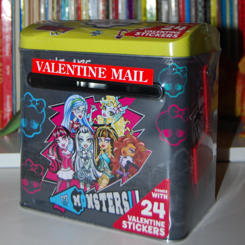 Monster high valentine mailbox