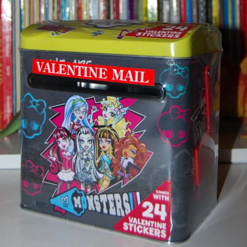 Monster high valentine mailbox