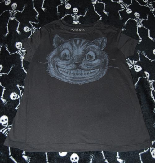 T shirts alice 4