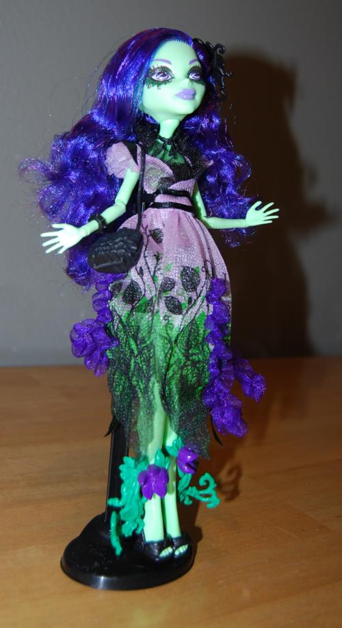 Monster high amanita nightshade doll 4