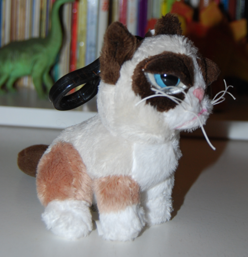 Grumpy cat plush keychain 1