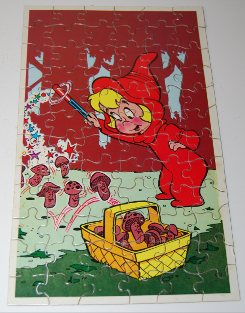 Vintage wendy witch mini puzzle 5