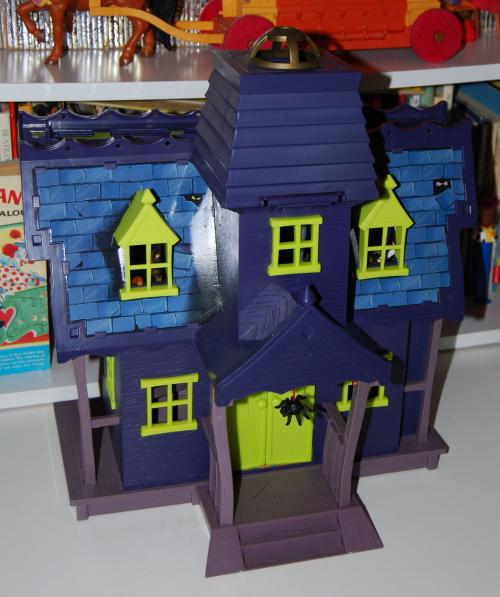 Scooby doo haunted house x