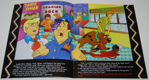 Scholastic book 3d scooby doo & the mystery mall 2