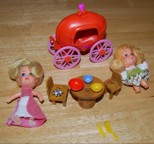 Hasbro storykins dolls 1967