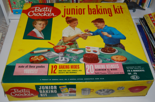 Betty crocker junior baking kit
