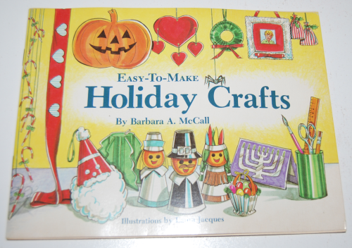 Easy to make holiday crafts book
