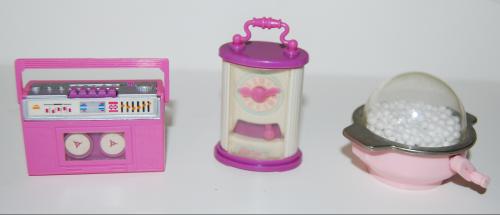Barbie windup accessories