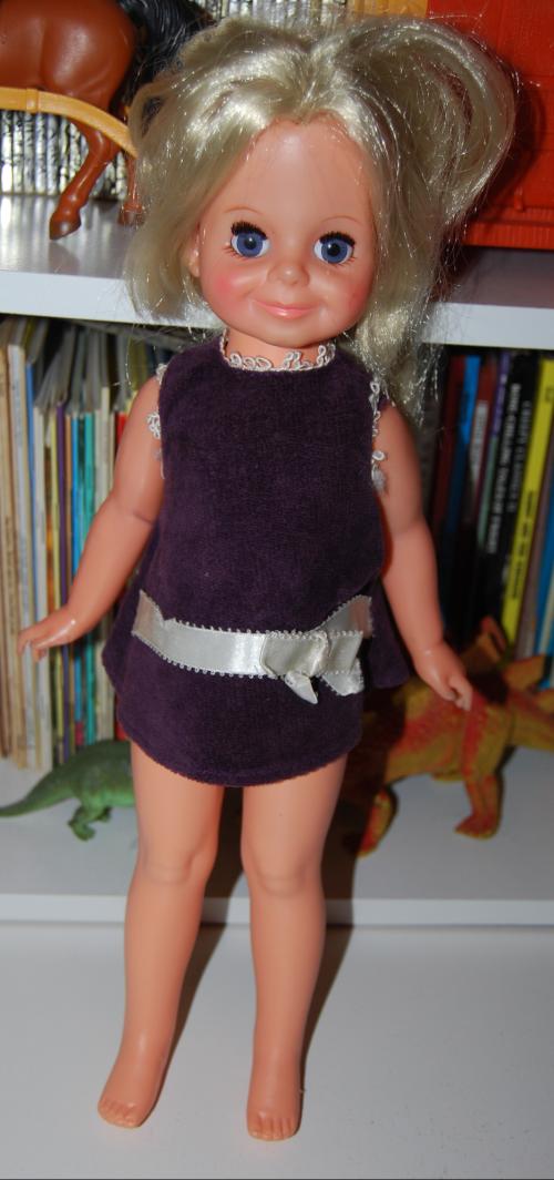 Vintage crissy doll x